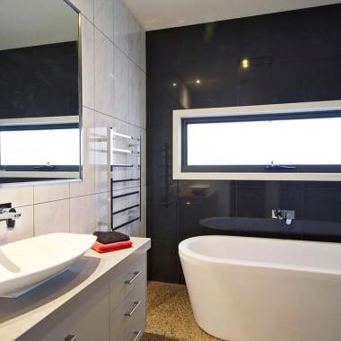 Bathroom cabinet with storage