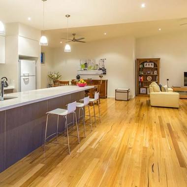 Custom kitchen opening onto alfresco