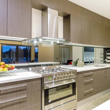 Extensive kitchen storage Torquay